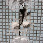 Наблюдение за трещинами с помощью гипсового маяка - После разрыва маяка рядом устанавливается новый